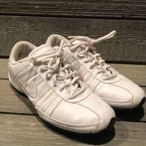 Women's Nike Dance/Cheer Shoes, Sz 8.5